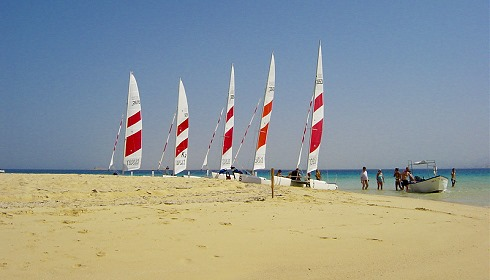 Catamaran Segeln im Club Soma Bay